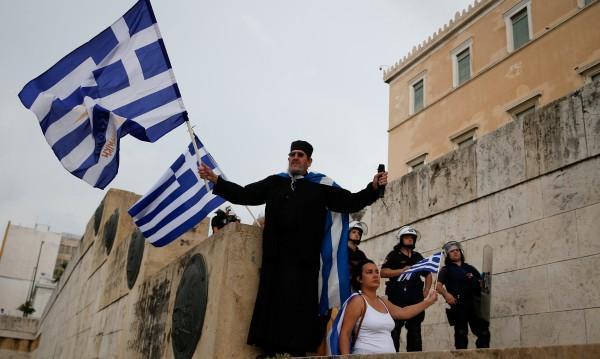 Референдум в Гърция за договора със Скопие или избори!