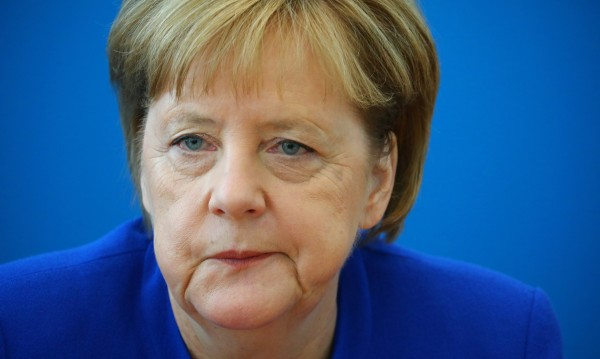 Глътка въздух за Меркел. Но може да е за кратко!