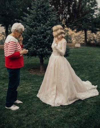 Удивителна булчинска рокля! Преправена от бабината