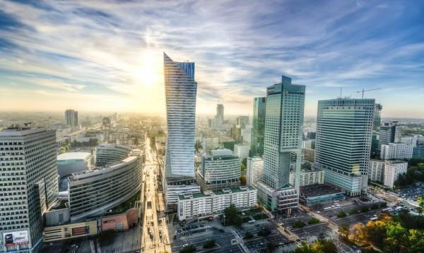 Ферари, Бентли... Луксът, прогонен от комунизма, се връща в Полша