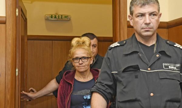 Паник атаки, антидепресанти, тумор... Иванчева пак поиска свобода