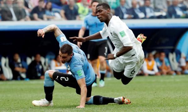 Франция е на полуфинал! Вратарска грешка елиминира Уругвай