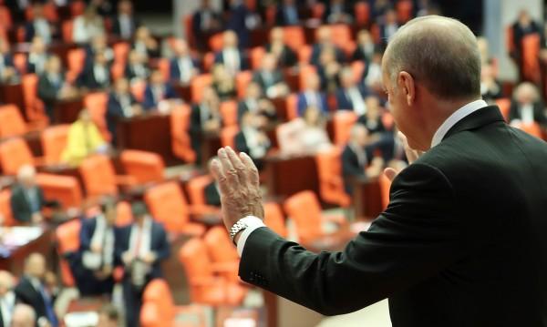 Турция далеч от ЕС, но не и от европарите, еврофирмите, туристите...