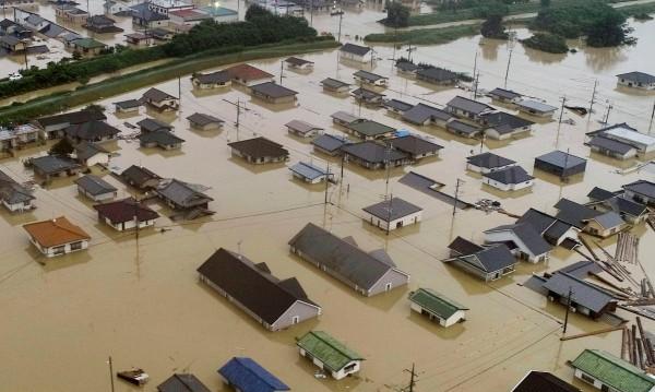 Бедствие! Десетки жертви на проливните дъждове в Япония