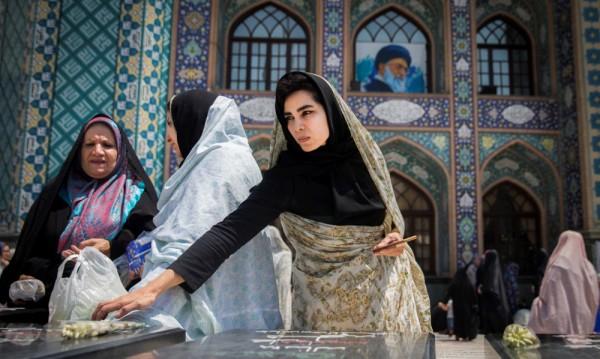 Арест за момиче в Иран - то танцувало, че и без забрадка