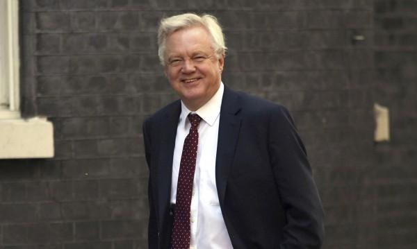 Преди началото - министърът по Brexit подаде оставка