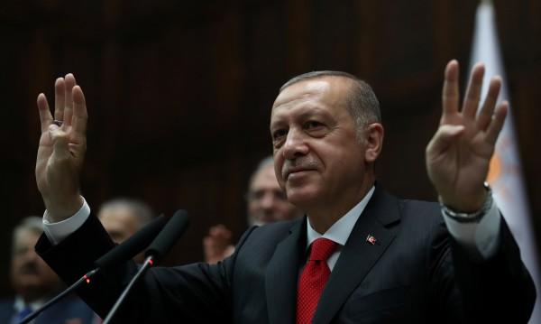 Самодържецът начело на Турция: Ердоган – съвременният султан