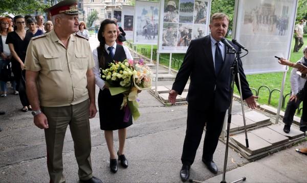 Каракачанов към Симеонов: Защо си говорим през медиите?