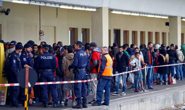 Планът на Германия за бежанците – създаване на транзитни центрове
