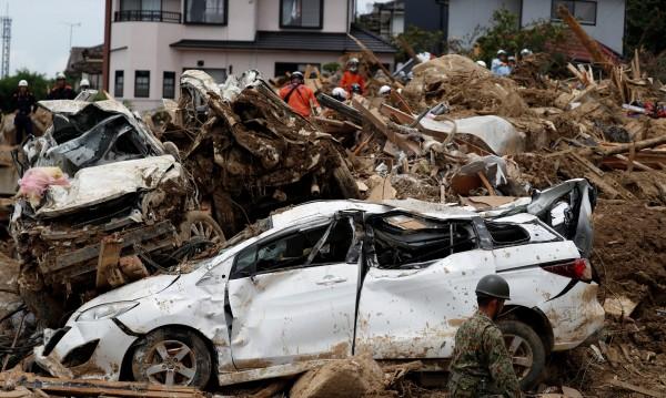 Броят на жертвите от наводненията в Япония расте, стигна 179