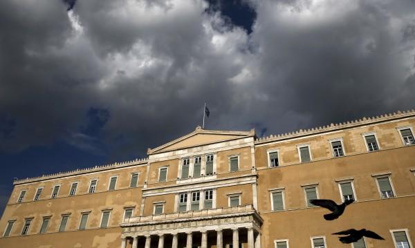 Гърция гони руски дипломати, месили се за името на Македония