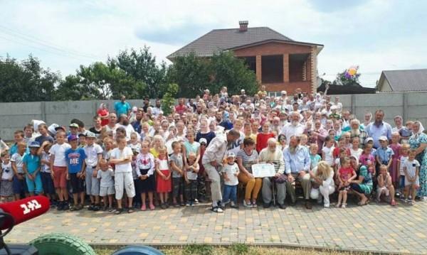 Това е голямо семейство: Украинец има 346 живи наследници!