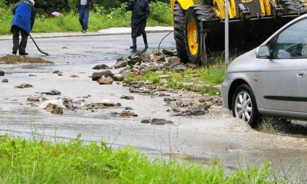 Властта ще мисли нов ред за справяне с щети от бедствия