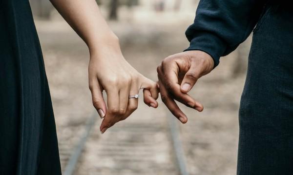 Експерти прогнозират: По-грозен мъж, по-скъп годежен пръстен