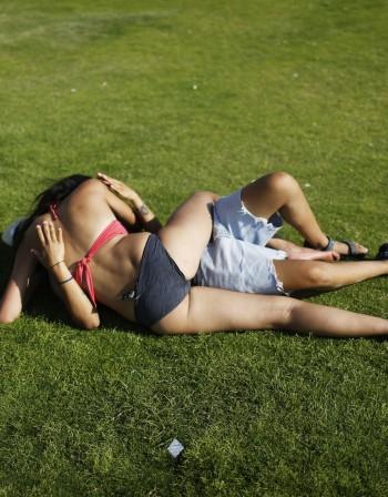 Мъжете -  по-склонни да правят необезопасен секс с привлекателна жена