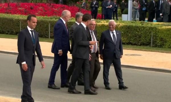 Юнкер се спъва и залита на срещата на върха на НАТО