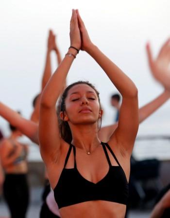 5 йога упражнения за енергия