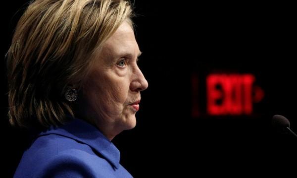 Как руснаците хакнаха победата на Хилари Клинтън?