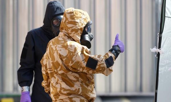 Проби: Изследват веществото, отровило британците
