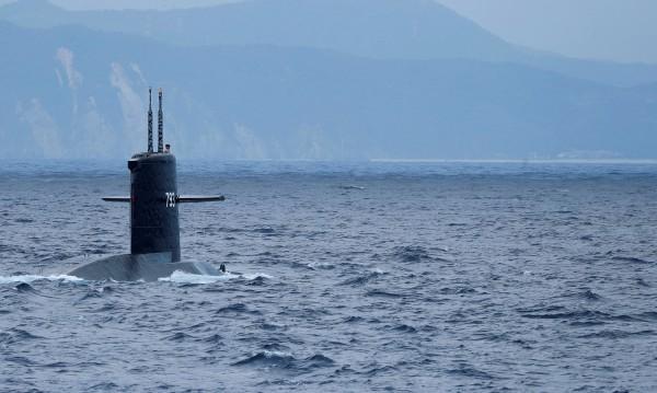 Една грешна запетая... И подводница не изплува!