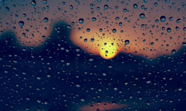 Времето през уикенда: Дъждът отстъпва на слънцето