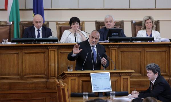 Борисов сравни: Нинова с козичките – Меркел с бежанците!?