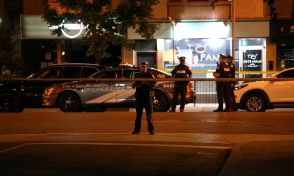 Двама загинали при атаката в Торонто, няма ранени българи