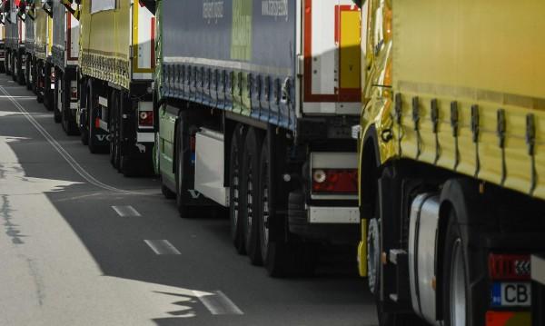 Погват за проверки автобусите и камионите