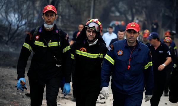След ада на пожара: В Гърция издирват оцелели