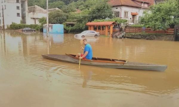 След потопа: Тетевен остава в бедствено положение