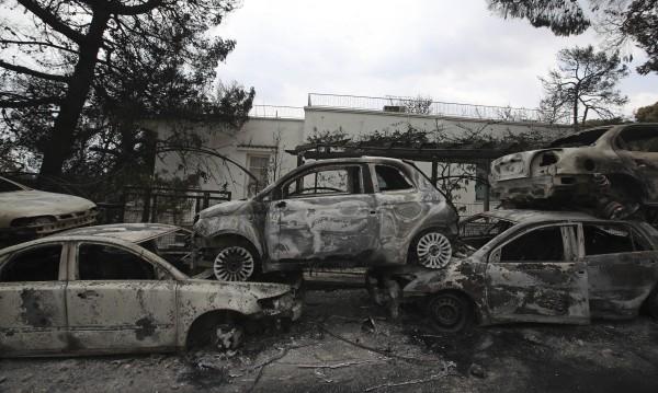 77 станаха жертвите на огнения ад, спасителите продължават работа