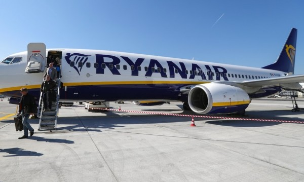 Ryanair отменя стотици полети днес и утре