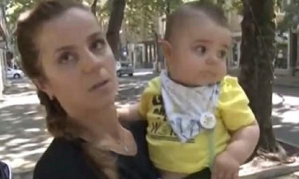 Клон падна върху майка с дете, бебето паднало на земята