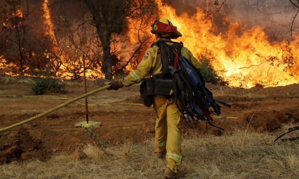 6 жертви и 17 в неизвестност след огъня в Калифорния