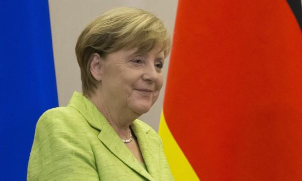 Блокът на Меркел с най-ниско ниво на подкрепа от 12 г.