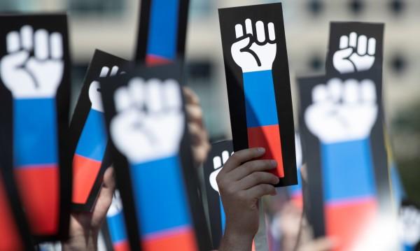 В Русия не искат по-късно пенсиониране: Путин е крадец!