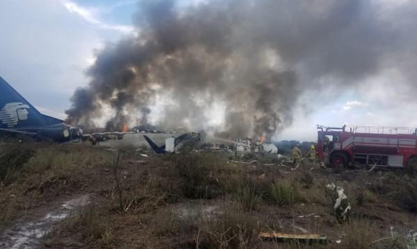 Над 80 ранени при разбиване на самолет в Мексико