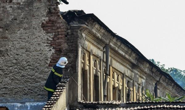 Знакови сгради в София са в риск! Случайност?