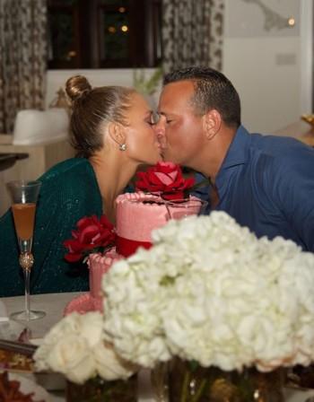 Гаджето на Дженифър Лопес отсече: Не сме сгодени!