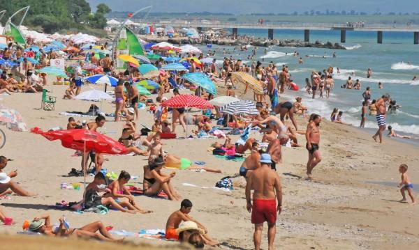Нова мода на плажа: Инжектират ти тен срещу стотачка