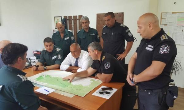 Борисов на инспекция, проверява оградата с Турция
