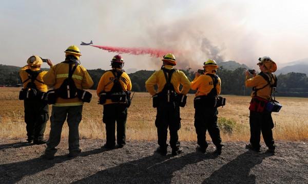 Калифорния в пламъци заради една спукана... гума