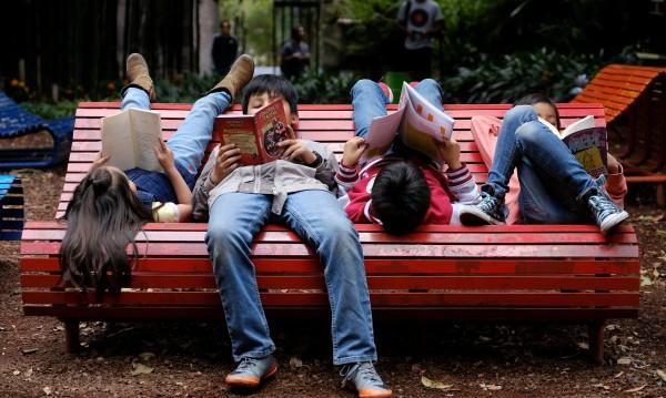 Осиновителите на деца над 5 години без отпуск