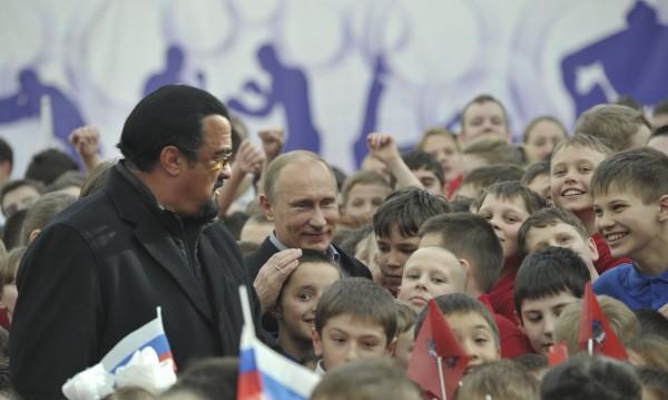 Новата роля на Стивън Сегал: Представител на Русия в САЩ