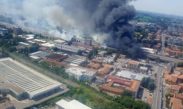При пожара до Болоня: Един загинал, над 50 ранени