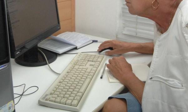 Развързаната връзка деца-родители: Едните на гурбет, другите по скайп