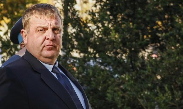 Каракачанов отрече: Нямам жилище за 500 бона!