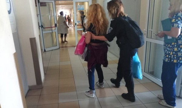 "Иванчева напусна ""Майчин дом"": Окована и обратно в ареста!"