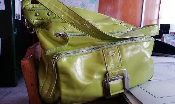 История за пример: Жена намери чанта и я върна!