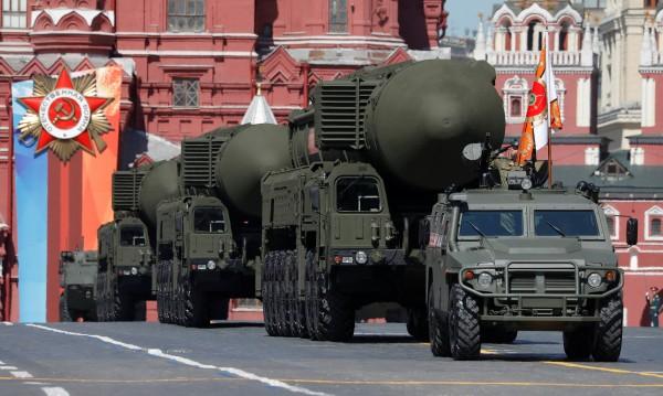 За кого е изгодно? САЩ въвличат Русия в оръжейна надпревара!